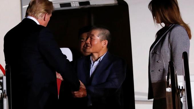 Avant l'arrivée des trois hommes, Donald Trump a déclaré: «Cela va être un moment spécial. Pour moi, cela représente quelque chose d'enthousiasmant, quelque chose de très important pour le pays».