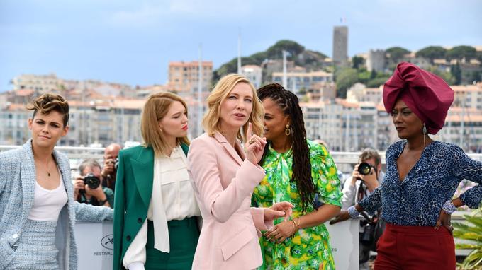 Kristen Stewart, Léa Seydoux, Cate Blanchett, Ava DuVernay et Khadja Nin, membres du jury.