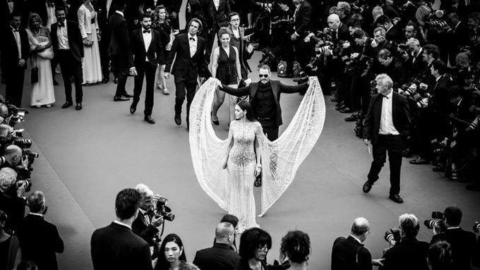 Araya Hargate foule, jeudi soir, le tapis rouge de «Plaire, aimer et courir vite» du cinéaste français Christophe Honoré.