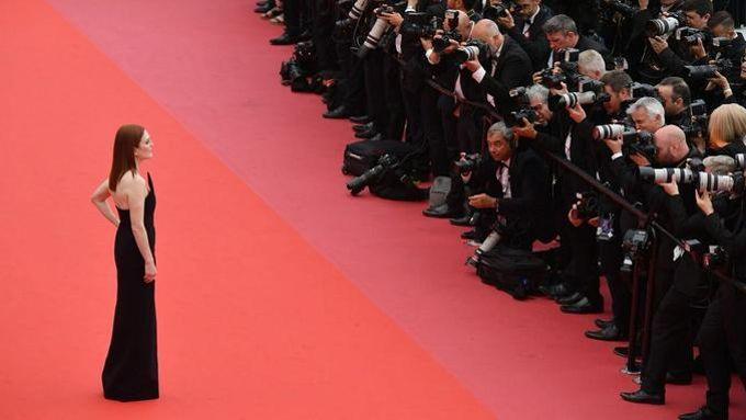 L'actrice Julianne Moore a foulé le tapis rouge mercredi pour assister à la projection de «Yomeddine», le film en compétition de l'Egyptien Abu Bakr Shawky.