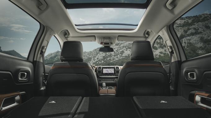 Le volume du coffre s'étend de 580 à 1 630 litres, selon la configuration des sièges.