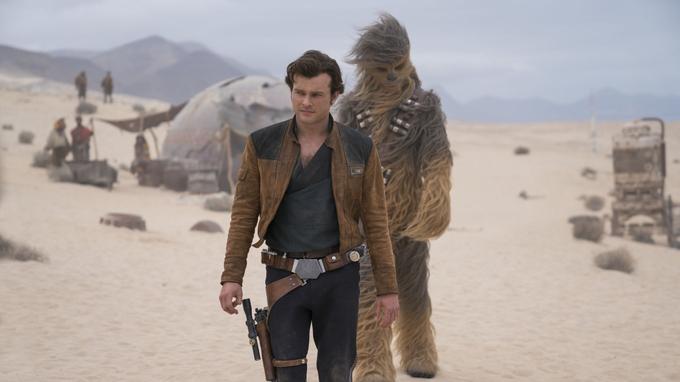 Alden Ehrenreich et Joonas Suotamo dans une scène du film «Solo: A Star Wars Story»