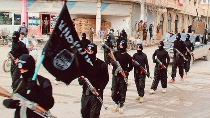 Un défilé de djihadistes à Raqqa, diffusé sur un site pro-Daech.