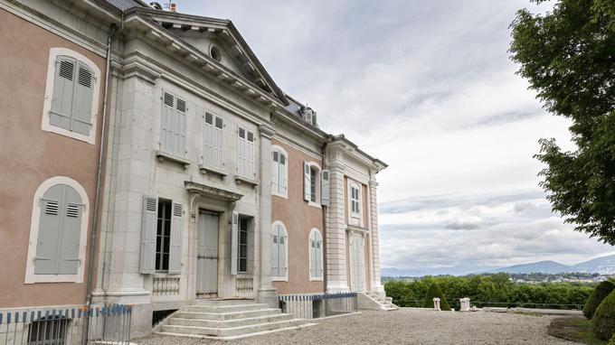 Catherine II de Russie caressa l'idée de faire construire une réplique de Ferney, dans le parc de Tsarskoïe Selo.