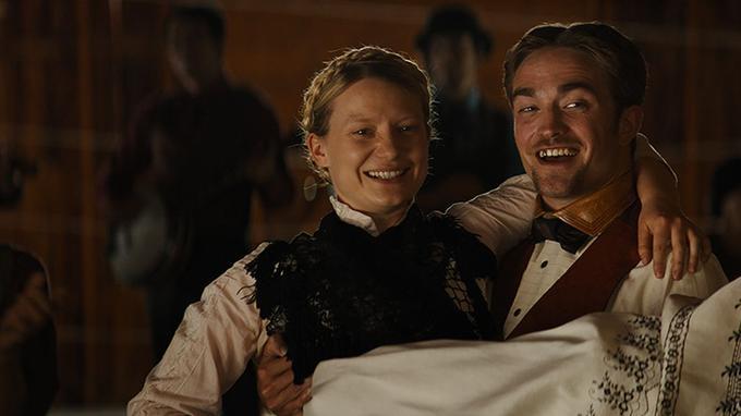 Mia Wasikowska et Robert Pattinson dans «Damsel» de David et Nathan Zellner