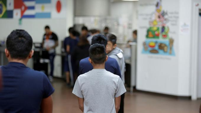 Un ancien supermarché Wallmart de la ville texane de Brownsville abrite quelque 1500 garçons de 10 à 17 ans.