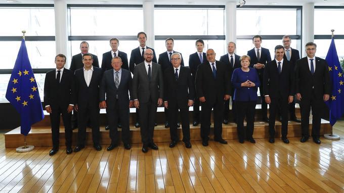 Les dirigeants réunis en sommet informel. Pas de solution mais des sourires.