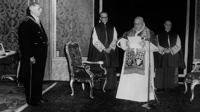 Le général de Gaulle et le pape Jean XXIII en juin 1959