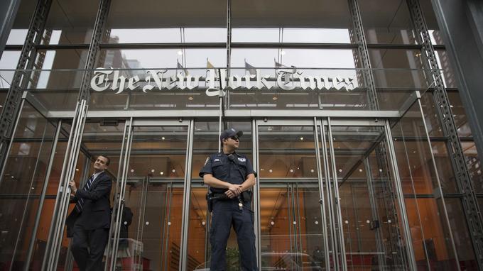 À New York, des policiers ont été déployés par précaution dans les principaux médias de la ville.
