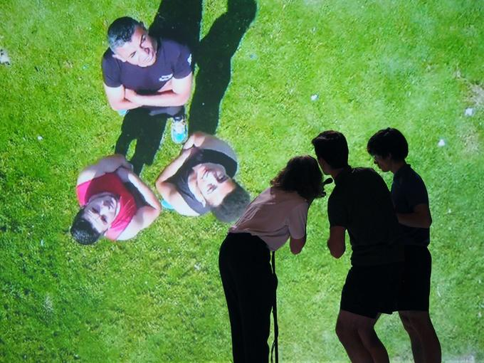 Le dispositif de «Phoenix» d'Éric Minh Cuong Castaing permet aux danseurs de communiquer avec la bande de Gaza.
