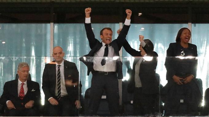 Emmanuel Macron après le but d'Umtiti.
