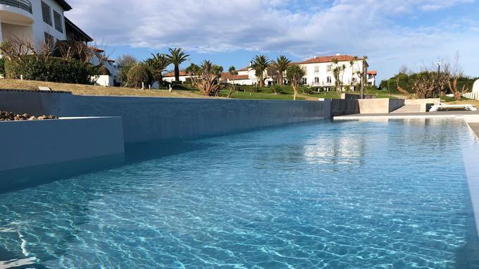 La nouvelle piscine de La Réserve