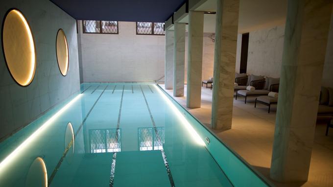 La piscine du Lutetia.