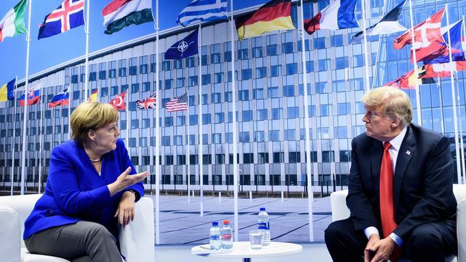 Angela Merkel et Donald Trump lors du sommet de l'Otan, le 11 juillet.