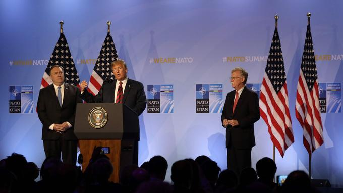 Donald Trump s'exprime lors d'une conférence de presse, au deuxième jour du sommet de l'Otan, le 12 juillet.
