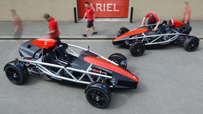 L'Ariel Atom 4 dispose du moteur de la Honda Civic type R, qui développe 320 chevaux et 420 Nm de couple.