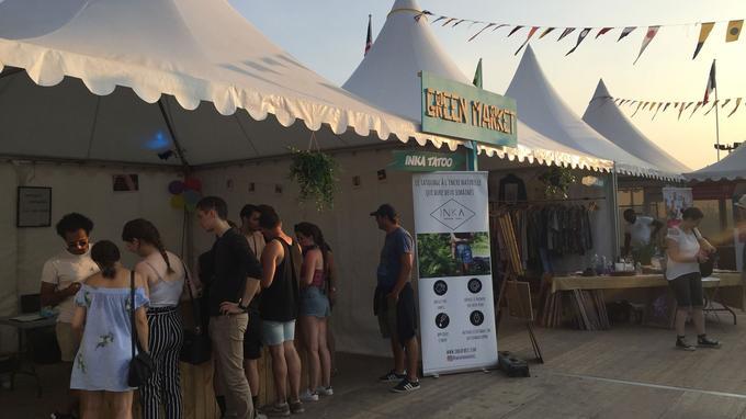 Au Lolla Planète, un «Green Market» propose aux festivaliers de découvrir des produits écologiques.