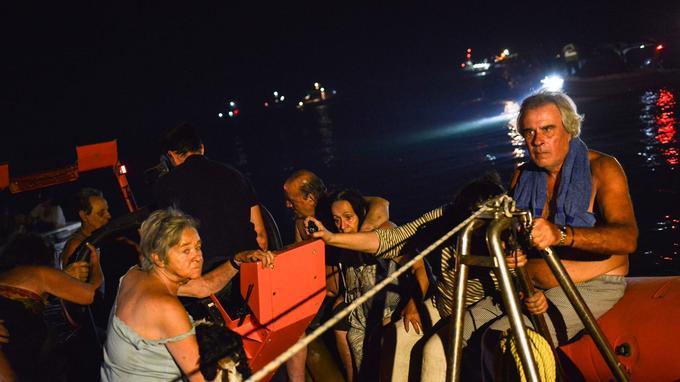 Beaucoup d'habitants de Mati ont été évacués par la mer.