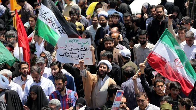 Manifestation contre le régime, à Téhéran, le 8 juin.