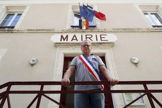 M. Bernard Gilot, maire de Mesves-sur-Loire.
