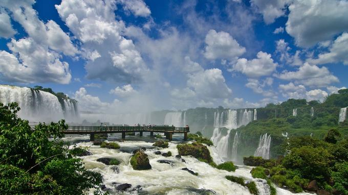 Photo réf. Brésil les chutes d'Iguaçu @ Flyfisher AdobeStock