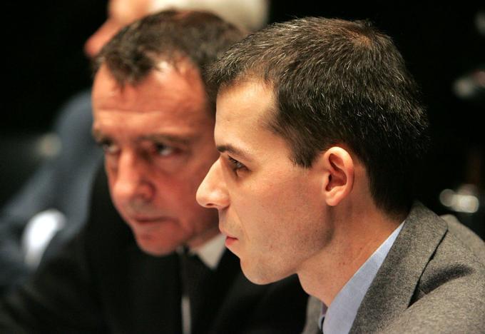Le juge Fabrice Burgaud est âgé de 34 ans lorsqu'il fait face à la commission.