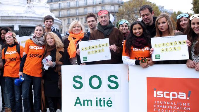 Des bénévoles de l'association lors d'un rassemblement à Paris en 2013. Ils sont au total entre 1600 et 1800 répartis entre 44 antennes locales en France.