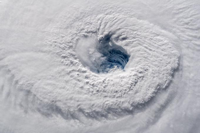 L'oeil du cyclone Florence pris par l'astronaute allemand Alexander Gerst à bord de la Station spatiale internationale.