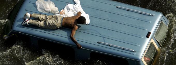 Katrina longtemps a hanté l'Amérique, avec ses images de milliers de personnes bloquées pendant des jours entiers, sans aide aucune.