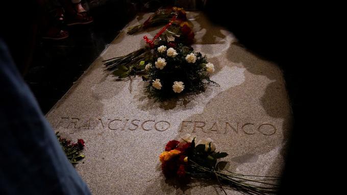 La tombe de Francisco Franco au mausolée Valle de Los Caidos.