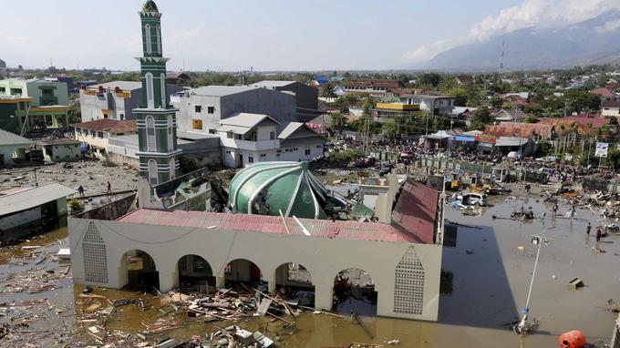 La mosquée de Palu a été fortement endomagée.