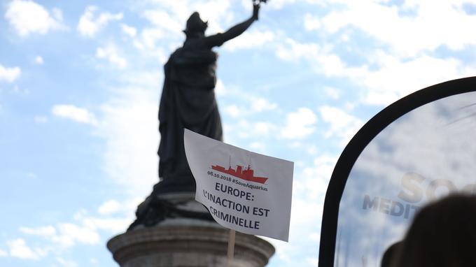Un rassemblement a eu lieu place de la République à Paris.