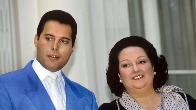 Montserrat Caballé était aussi connue pour son duo avec Freddie Mercury, chanteur du groupe Queen (1988).
