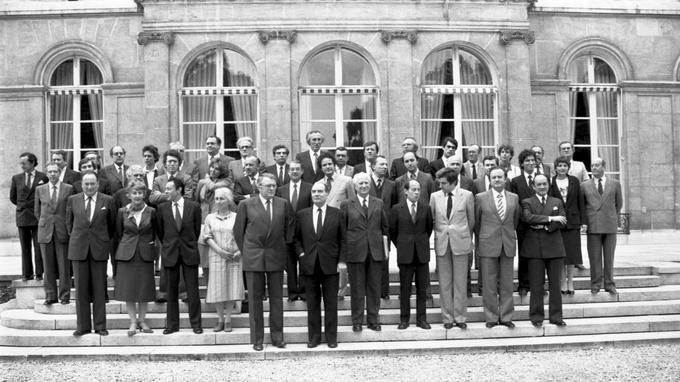 Le gouvernement Pierre Mauroy I, juste après l'élection de Mitterrand en 1981.