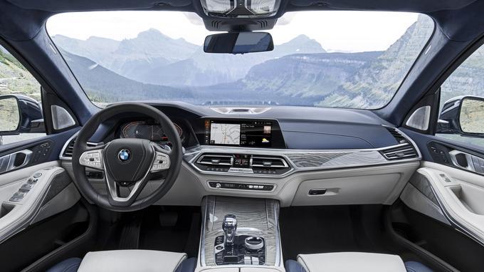 Concentré de technologie, le X7 peut être considéré comme le SUV de la Série 7.