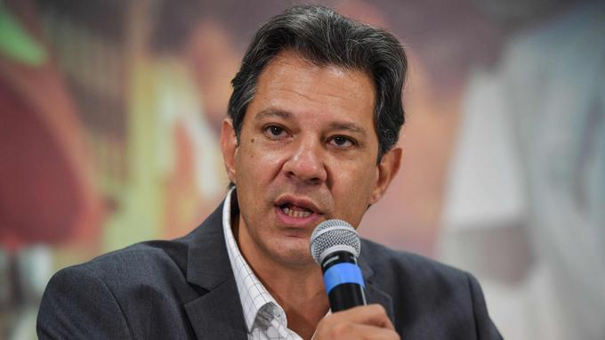 Le candidat du PT, Fernando Haddad, lors d'une conférence de presse, jeudi.