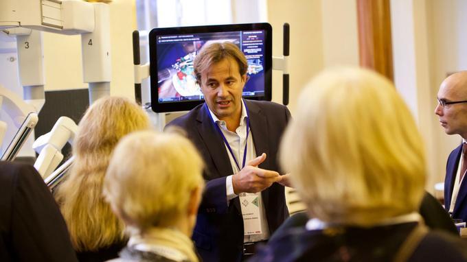 Damien Desmedt, DG d'Intuitive Surgical France.