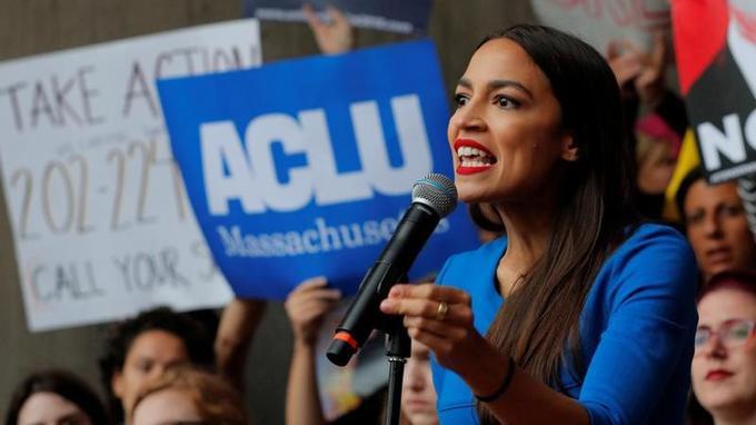Alexandria Ocasio-Cortez, 29 ans, pourrait être la plus jeune élue de l'histoire du Congrès.