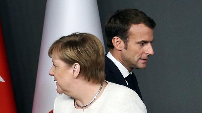 Angela Merkel et Emmanuel Macron lors du sommet sur la Syrie, le 27 octobre, à Istanbul.