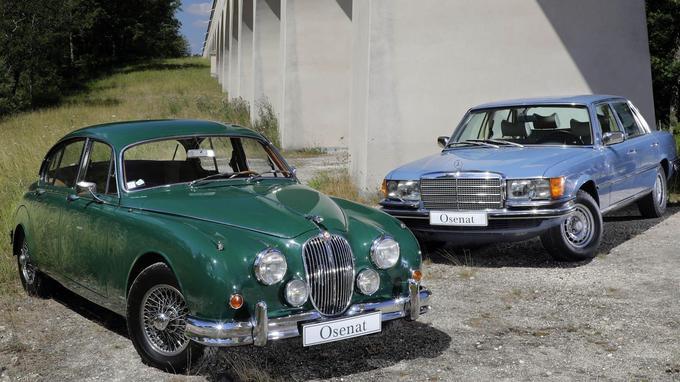 Jaguar Mk II de 1963 et Mercedes 450 SEL de 1977 ayant appartenu à Yves Saint Laurent et à Pierre Bergé.