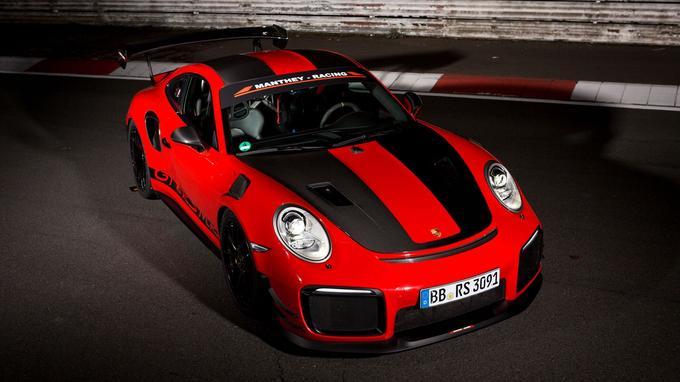 Porsche s'est tourné vers un spécialiste de la Nordschleife, nommé Manthey-Racing, pour accroître encore les capacités de sa sportive.