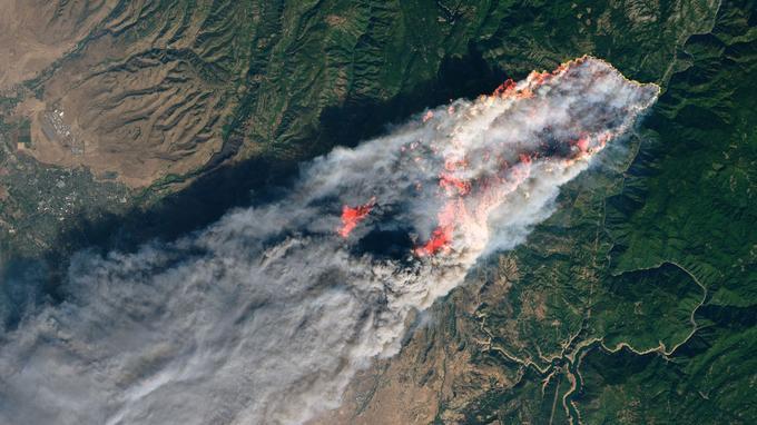 Le «Camp Fire» pris en photo par l'Observatoire de la NASA.