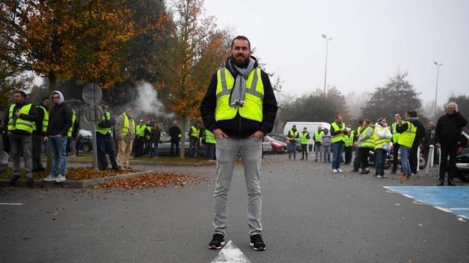 David Denize, 33 ans, fonctionnaire, manifeste à La Mézière (Ile-et-Vilaine).