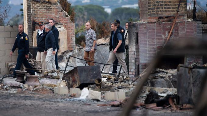 Le feu, qui a débuté il y a dix jours et est désormais maîtrisé sur 55% de sa surface, a détruit près de 10.000 maisons et plus de 2500 autres bâtiments.