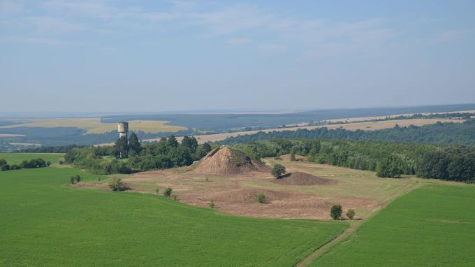 Vue aérienne du sud de la nécropole Est de Sboryanovo