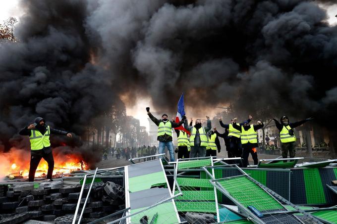 La journée de samedi a été marquée par des violences sur les Champs-Élysées.