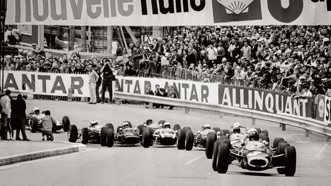 Le départ de la course de F3 à Monaco.