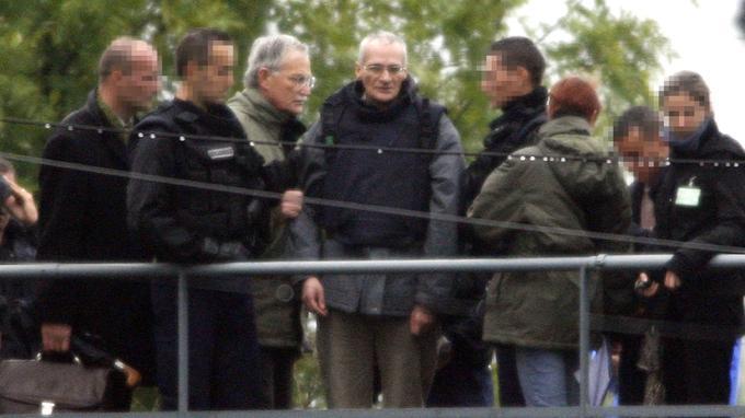 À Montigny-lès-Metz, en 2006, lors de la reconstitution du double infanticide, commis en 1986. C'est pour ces deux meurtres que Francis Heaulme est jugé en appel à partir de mardi à Versailles. En première instance, il avait été condamné à la perpétuité.