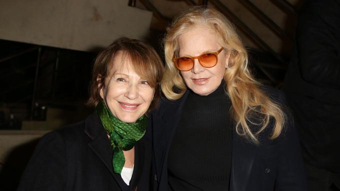Nathalie Baye et Sylvie Vartan lors de la soirée en l'honneur de Danielle Darrieux en avril.