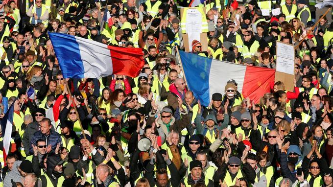 À Marseille, des manifestants se sont réunis sur le cours Lieutaud.